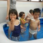 水遊び(´V`)♪